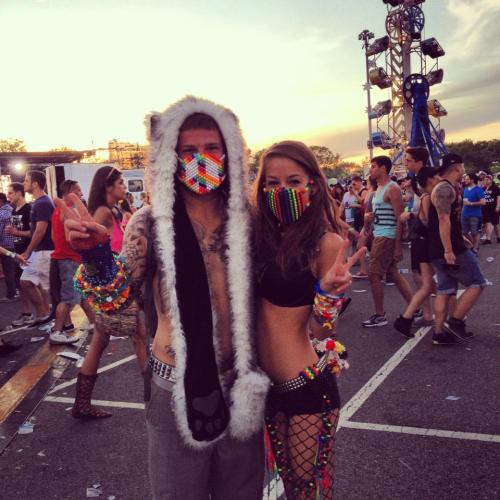 in-the-lions-mane:  Kandi boy raver!