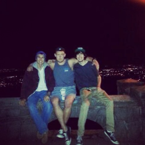 @real_gio @bigkh73 and I up at #rockybutte #lastnight.   #blurry #lateupload #pdx #viewpoint #night #oregon #portland #homies #igers  (at Rocky Butte Park)