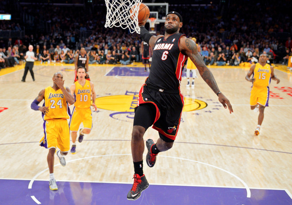 LeBron James - This is a sick picture of LeBron James from tonight's game (h/t @ArashMarkazi)
