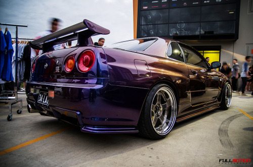 desilynn27:  full-motion:  MPIII BNR34 GTR   That color though