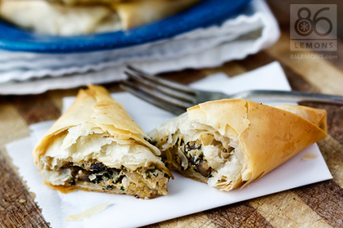 reblogged from veganrecipecollection:  (via Mushroom and Spinach Pockets (vegan))