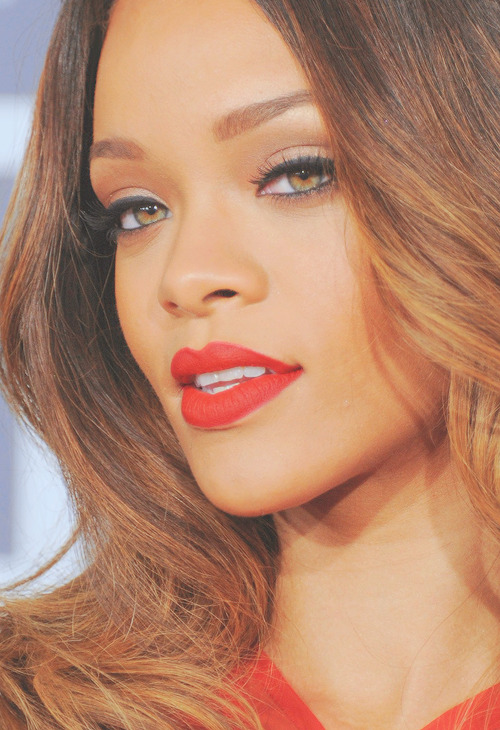 createthislookforless:  Her makeup was perfect this night.  Gosh, so stunning!