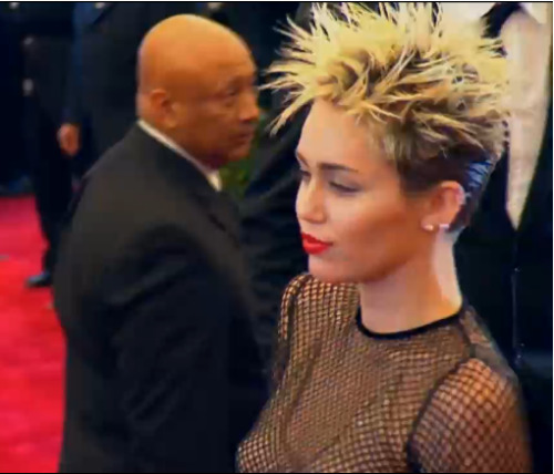 Miley's hair is perf!!!