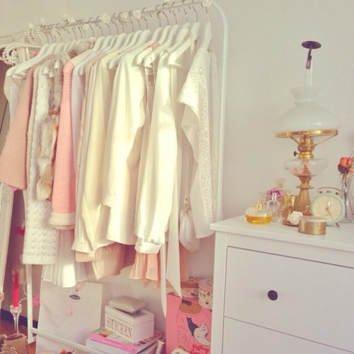 fashion-and-roses:  ivoriy:  new rosy blog  Follow @hayky on instagram