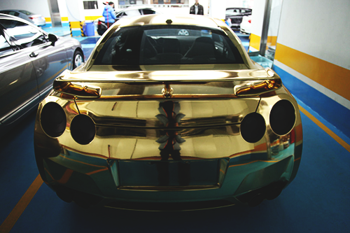 6speedhaven:  Gold Chrome GTR