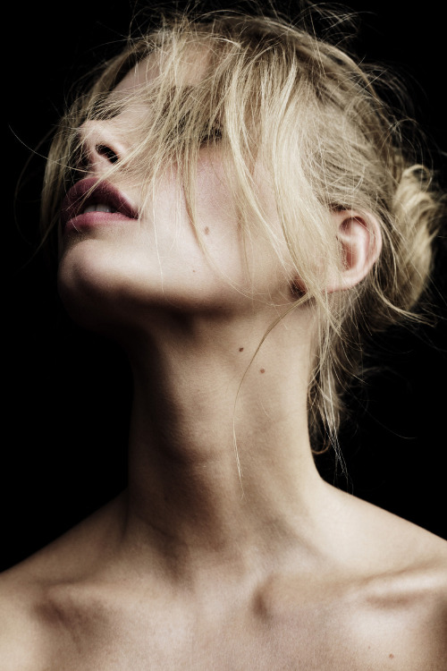 digbicks:  Dark Matter: Marloes Horst for Oyster Magazine, Billy Kidd