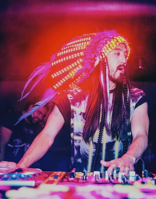 electronicwonderland:  Steve Aoki will be at SCMF this year!