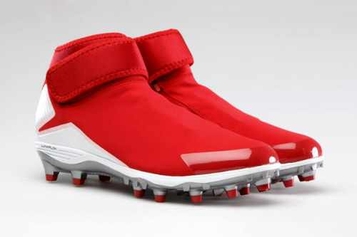 Air Jordan XX8 inspired cleats for Michael Crabtree of the Niners These look crazy.