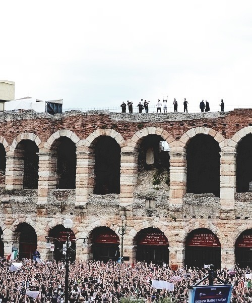 teaseharry:  One Direction (Verona, Italy)
