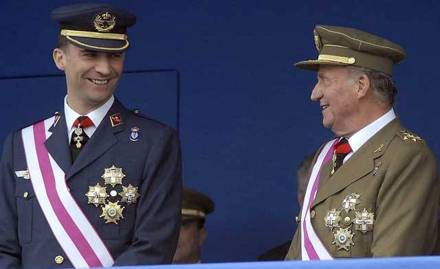 Juan Carlos I of Spain-75 Years, 75 Photos. 54- The King and the Prince of Asturias at the 2007 Armed Forces Day.