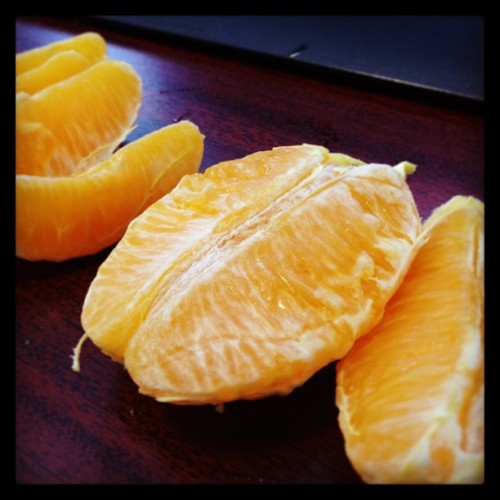 I just peeled this orange in under 10 seconds. Wanna know how I did it? #nevergonnatell