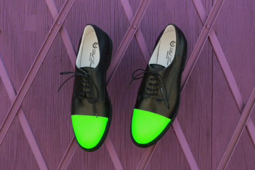 tape:  Hypebeast - Del Toro 3M Neon Green Toe Cap Oxford