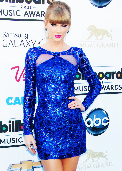superstars-news:  Taylor Swift at the Billboard Music Awards