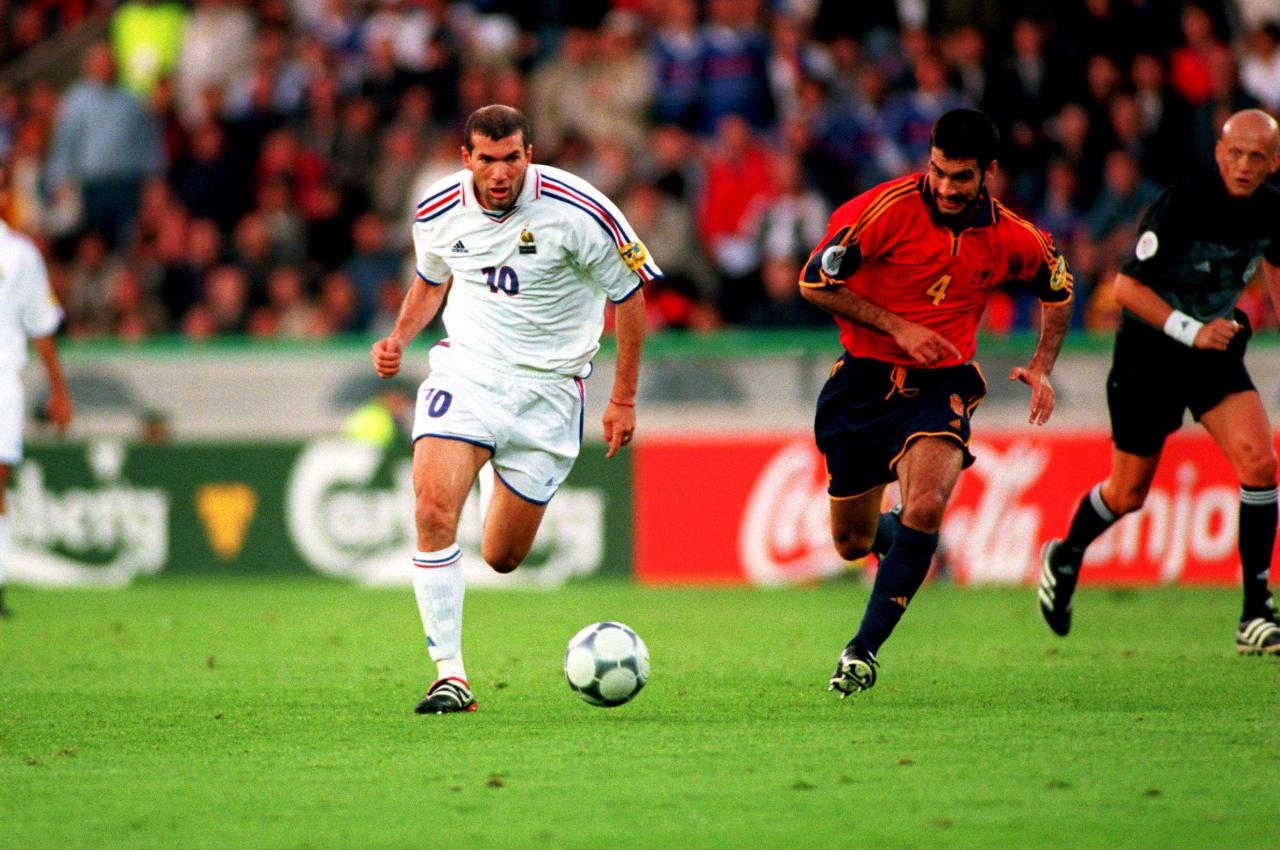 Zinedine Zidane pulling away from Pep Guardiola. Euro 2000 Quarter-Finals, France v Spain (2-1). Jan Breydel Stadium, Brugge, Belgium on June 25, 2000.Source: TheScore