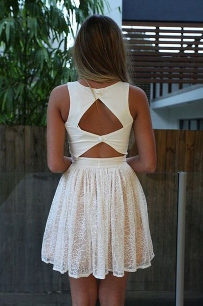 LOVE the back of this dress! White Lace Forever