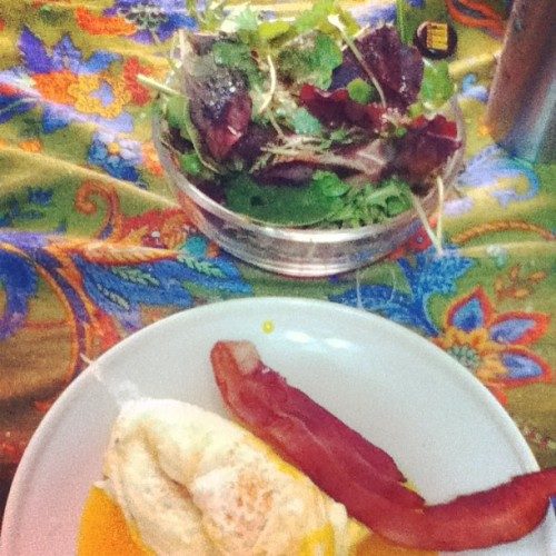 Today's #paleo meal 1: eggs #bacon and #plants. Breaking the #fast.