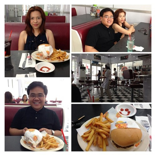 Lunch date @miahmataba (at Johnny Rockets)