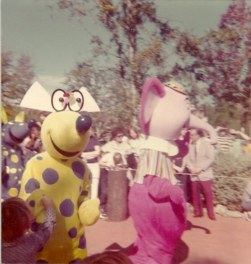 trisarahtopspin:  Vintage photos from Walt Disney World, 1974.