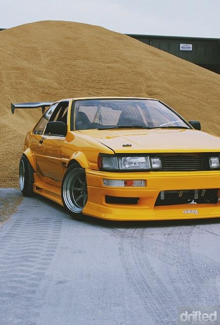 lanc3r:  Yellow.