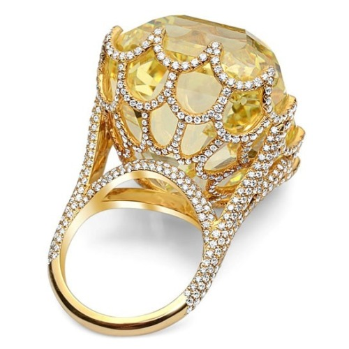 bedazzledbodybag:  The 110-carat Cullinan Yellow Asscher-cut Diamond