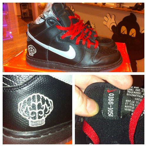 Nike x N.E.R.D premium dunk.  VNDS .  SZ. 10 Worn 1 time indoors.   A steal at $475 shipped domestic. $25 additional for international.  #nike #dunk #pharrell #black #music #artist #art #limitededition #veryrare Please email info@portagechicago.com to purchase