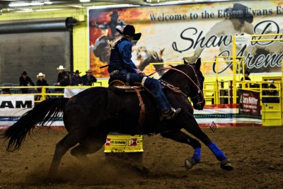 4qh4:  this is amberley snyder. she is a 23, and competes in college rodeo. pretty normal right? well when amberly was 18, she was in a rollover accident causing her to be paralyzed in both legs. she's in a wheelchair, but that doesn't stop her from achieving her dreams. never give up, ever.