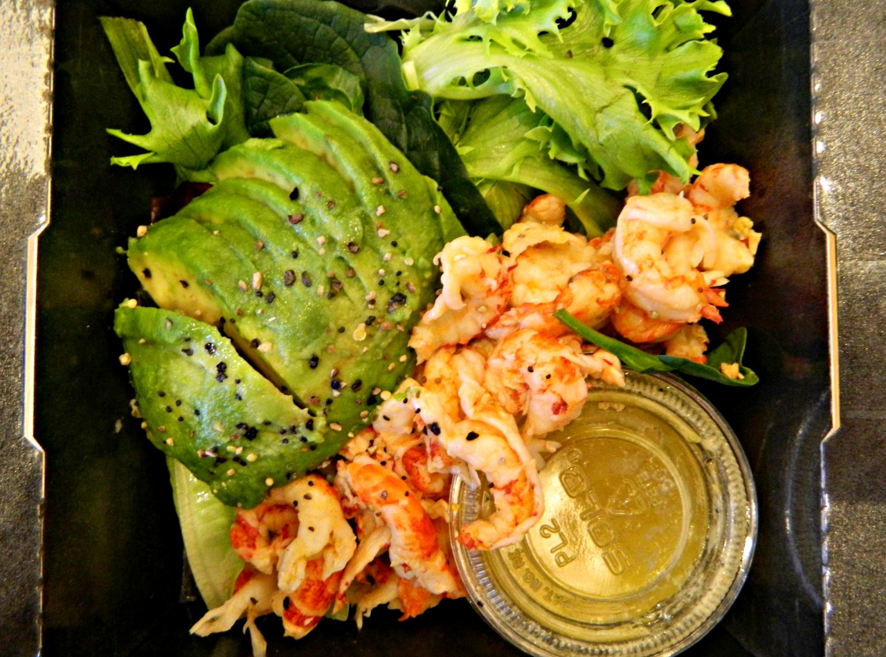 Crayfish, avocado, salad leaves, black pepper, lemon juice and a Dijon vinaigrette. I hope Pret A Manger never stop making salads! They're the best. :3