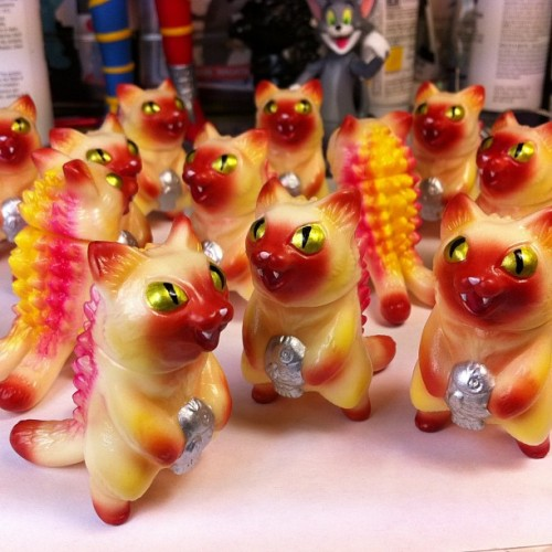 maxtoyco:  Just finished painting these #kaiju #micro #negora More info on them soon :- )