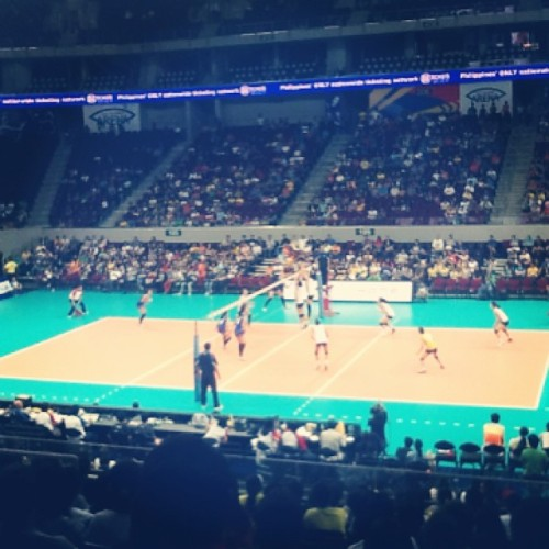 Jampacked Mall of Asia Arena earlier for VLeague 10 semifinals! Ateneo vs. UST :D (at Mall of Asia Arena)
