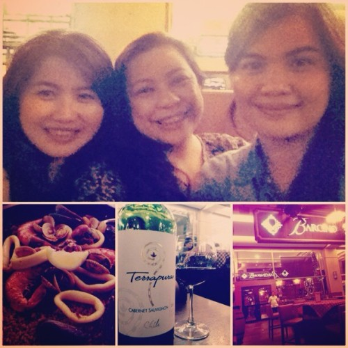 Barcino night with these lovely ladies! @sunnysideapps @aquaflirt #wine #friends #barcino