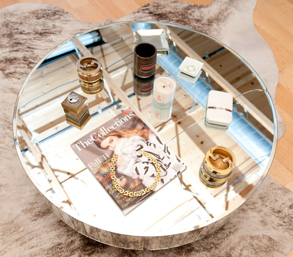 "Mirror Coffee Tables The Coveteur recently photographed Rachel Zoe's apartment along with all her knick knacks and gargantuan shoe collection. ""Obsessed with this vintage mirrored coffee table"" writes the stylist to the stars. ""Mirrors in every form instantly add glamour to any home or office setting."" We couldn't agree more so we did a little search for you on eBay for mirror coffeetables. Hint: If you add ""midcentury"" to your search, the selection gets better. (Photo: Courtesy of TheCoveteur/RachelZoe. Text by Jauretsi)"