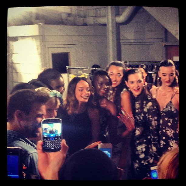 Rihanna with models after the fashion show! #rihanna #riverisland #lfw #aw13