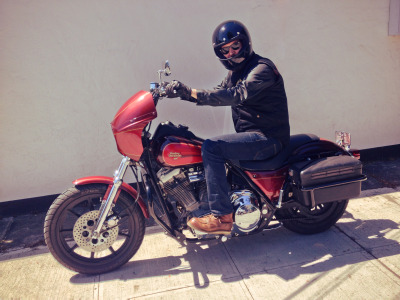 "Ray Gordon is stylin' on his new ride, rockin' the Biltwell Gringo helmet. He recently traded his Triumph for this 1990 Harley FXR, now named ""Ron Burgundy"". Read my interview with Ray Gordon here » [ more tagged Biltwell 