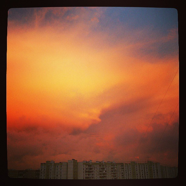 Закат #sunset #sky #clouds #moscow #photooftheday #instadaily