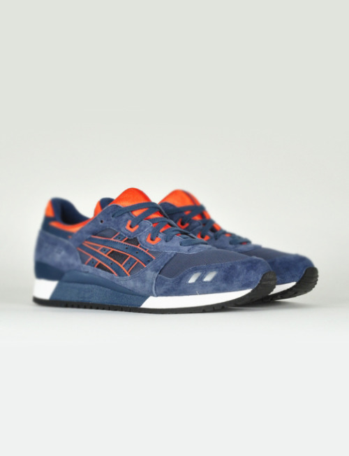 shoe-pornn:  Asics Gel Lyte III Navy/Orange.