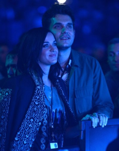 awww! date night…Katy Perry + John Mayer at The Rolling Stones concert in Newark on Wednesday night…