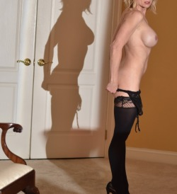FunHotWife :) One my favorite shots from the night. Bounced the light off the mirror. I think I am a lucky lucky man.