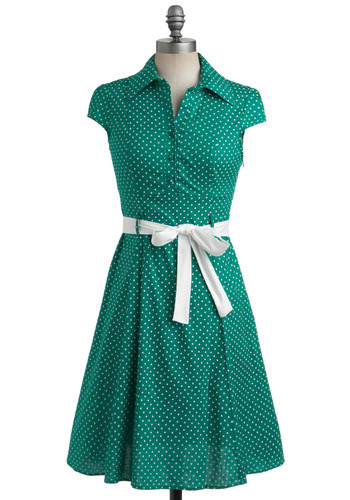 (via Hepcat Dress in Clover | Mod Retro Vintage Dresses | ModCloth.com) Just a PSA that my favoritest dress is on sale. I feel confident that every woman anywhere along the a-little-bit-curvy-to-plus-sized spectrum will feel totally great about how this dress works with her figure. It comes in red too. This is now a shopping blog.