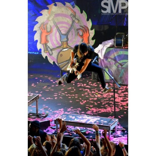 @piercethevic can jump!   (at The Warfield Theatre)