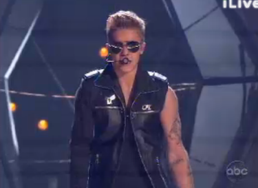 "jbnewss:  Justin performing ""Take You"" at the BBMA! Loved the performance!!"