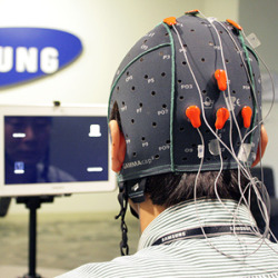 Samsung Demos a Tablet Controlled by Your Brain