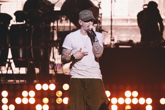 Here's Every Celebrity Eminem Has Dissed So Far (2013 Edition)  There's a moment on Eminem's new album