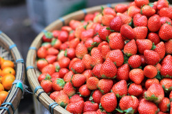 gastronomyfiles:  (via Mini Strawberries | Flickr - Photo Sharing!)