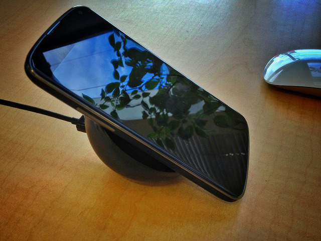 The wireless charger for the Nexus 4 is a thing of beauty on Flickr.