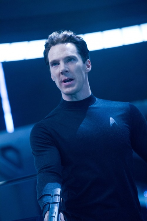 sherlockhasthekeytomyheart:  just saw Star Trek and almost died cuz he's badass and sexy like in Sherlock but x1,000,000,000   XD