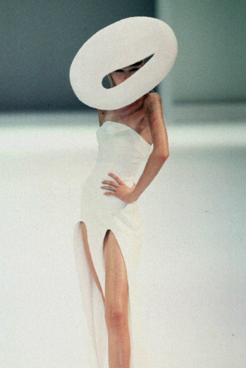 whore-for-couture:  sexrova:  Thierry Mugler Spring 1999   Haute Couture blog :)