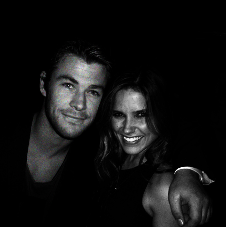 unicornsanddolphins:  for: anonymous sophia bush & chris hemsworth