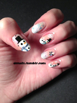 Winter mani!  I'm going to enjoy having these snowmen staring back at me for a few days.