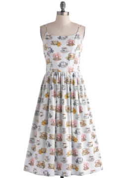 modcloth:  Tea time! All we need now are the tiny sandwiches. Shop the High Socie-tea Dress.