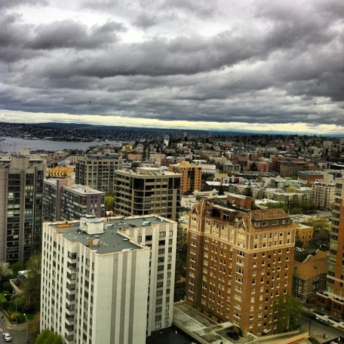 Seattle, a city held hostage by a blanket of clouds #seattlesky #cloudporn (at Capitol Hill Neighborhood)